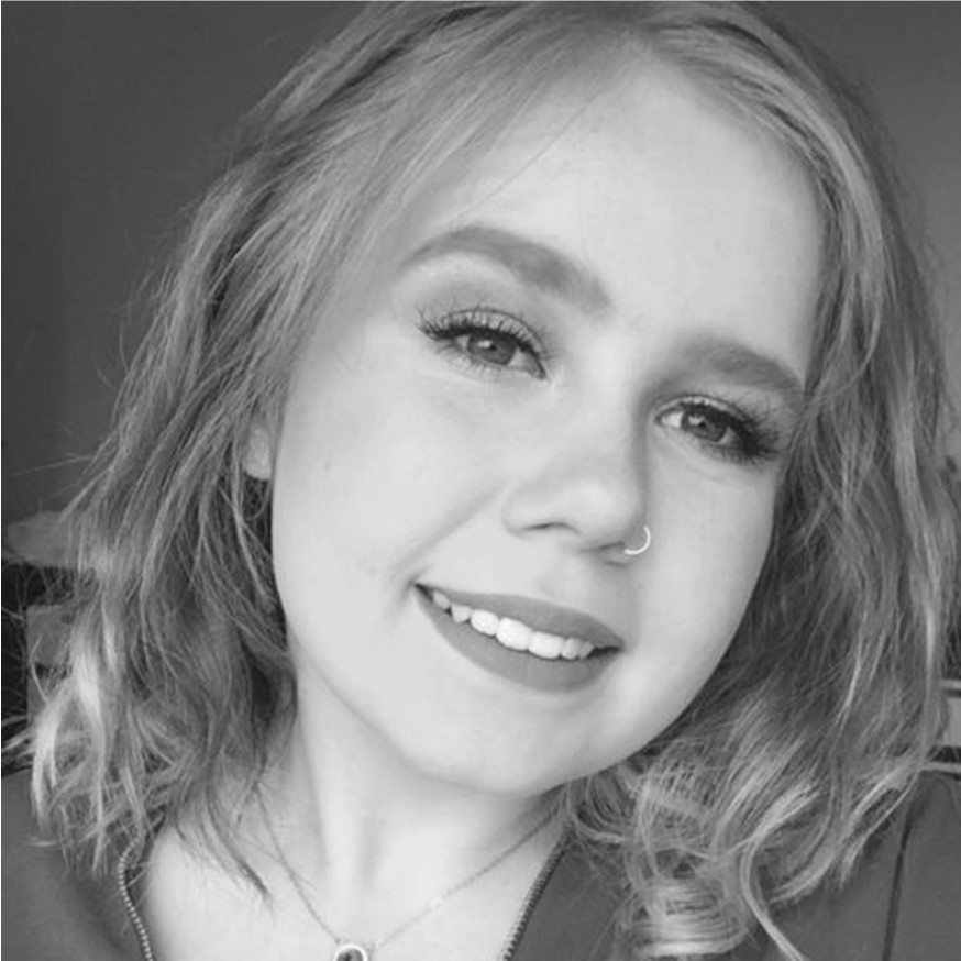 An image of the Marketing Executive, Beth Howard who has completed a Level 3 Digital Marketing Apprenticeship and is now studying Digital Marketing at the University of Chester.
